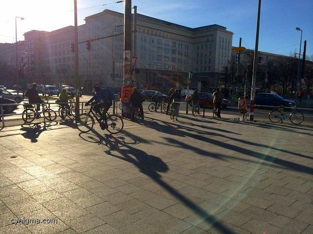 Fahrrad Flashmob am Frankfurter Tor