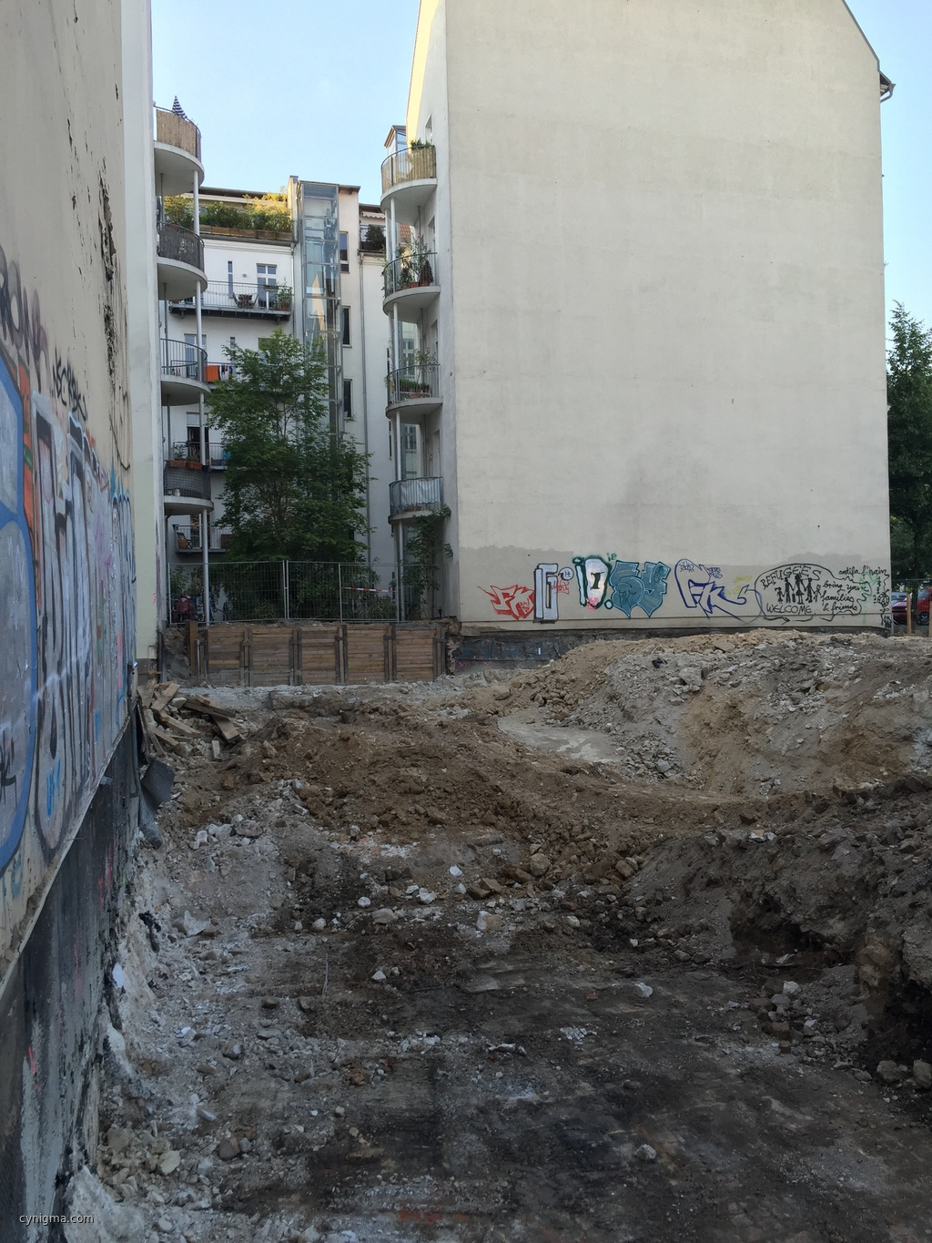 20150612-195904_news-from-the-Baustelle