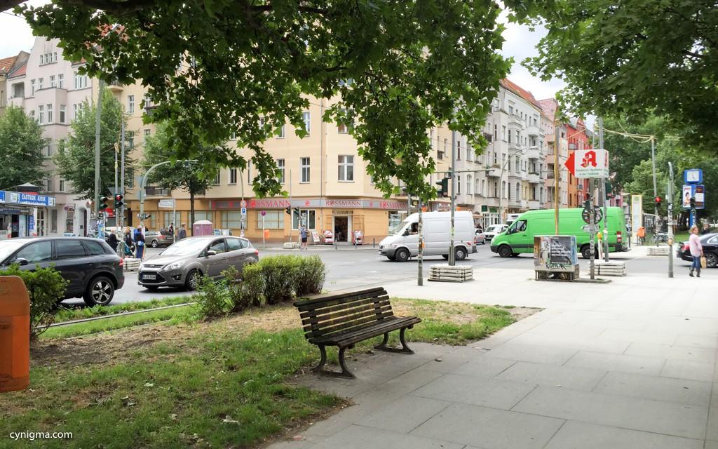 die #neunterneunter Kreuzung (Warschauer Ecke Grünberger)