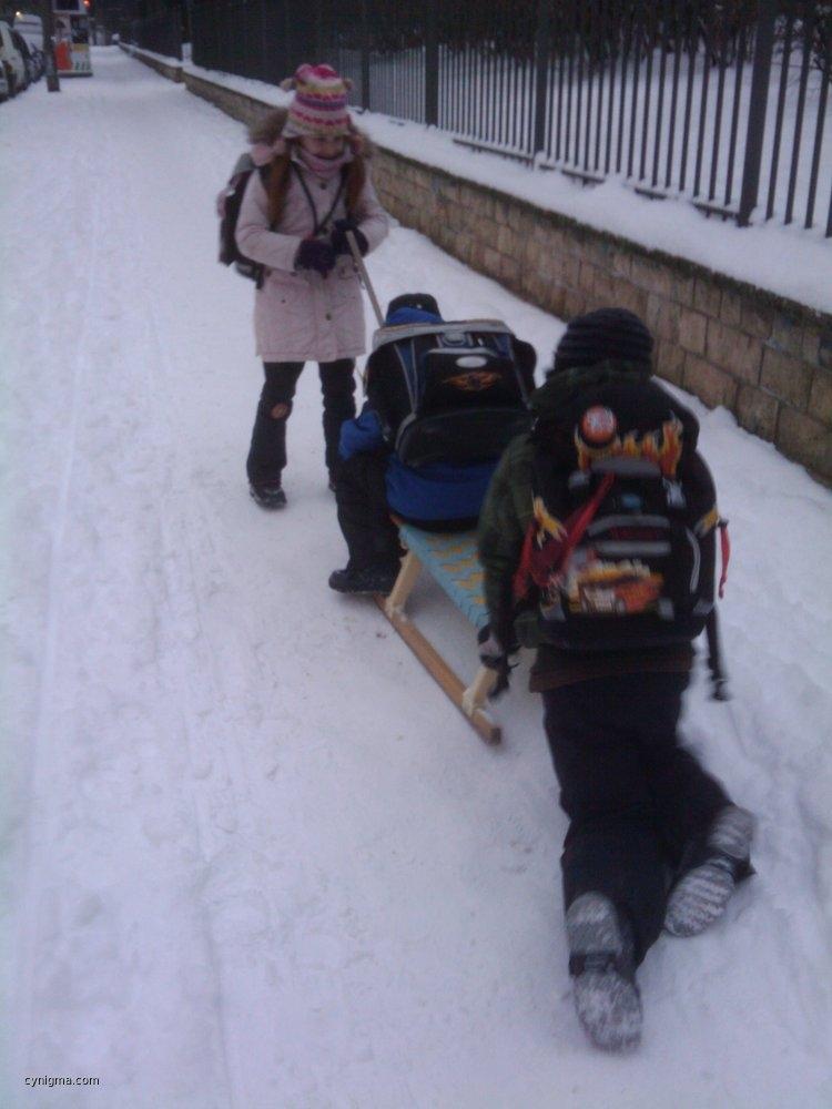 snow-phun-in-the-morning